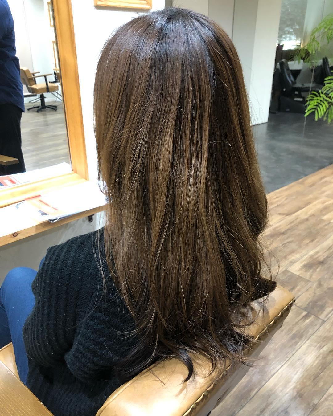 先日Cielに導入決定した新メニュー『ボリュームコントロールカラー』カラーをしながら収まりがよくなる新感覚のカラーですツヤもすごく出るので皆さん乞うご期待ください#hair#Ciel#常陸多賀美容室#新メニュー#新感覚カラー#エイジングケア
